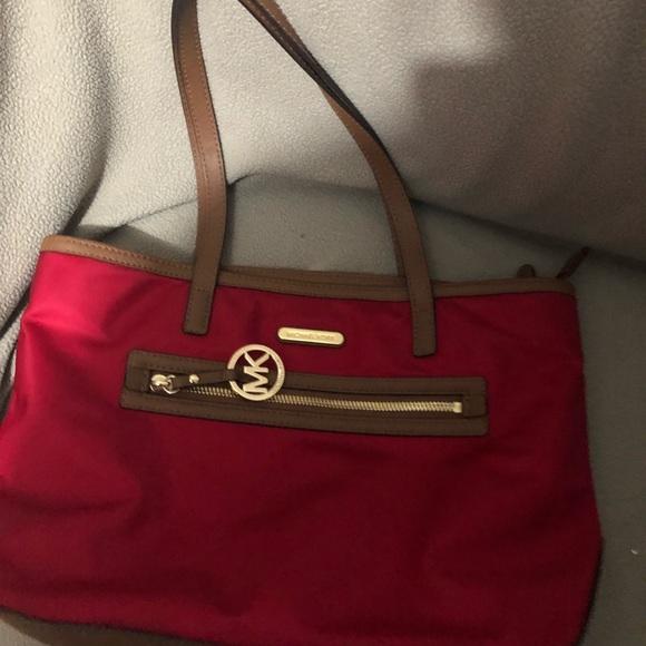 Michael Kors Handbags - Selling an original MICHAEL KORS BAG